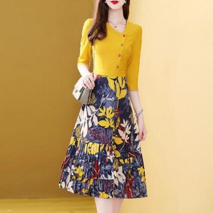 Đầm đính nút chân váy hoa dập ly - T0204