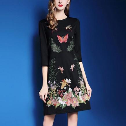 Đầm suông thêu hoa bướm -T0289
