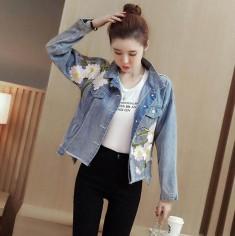 Áo khoác jean rộng đính hoa -Y2206
